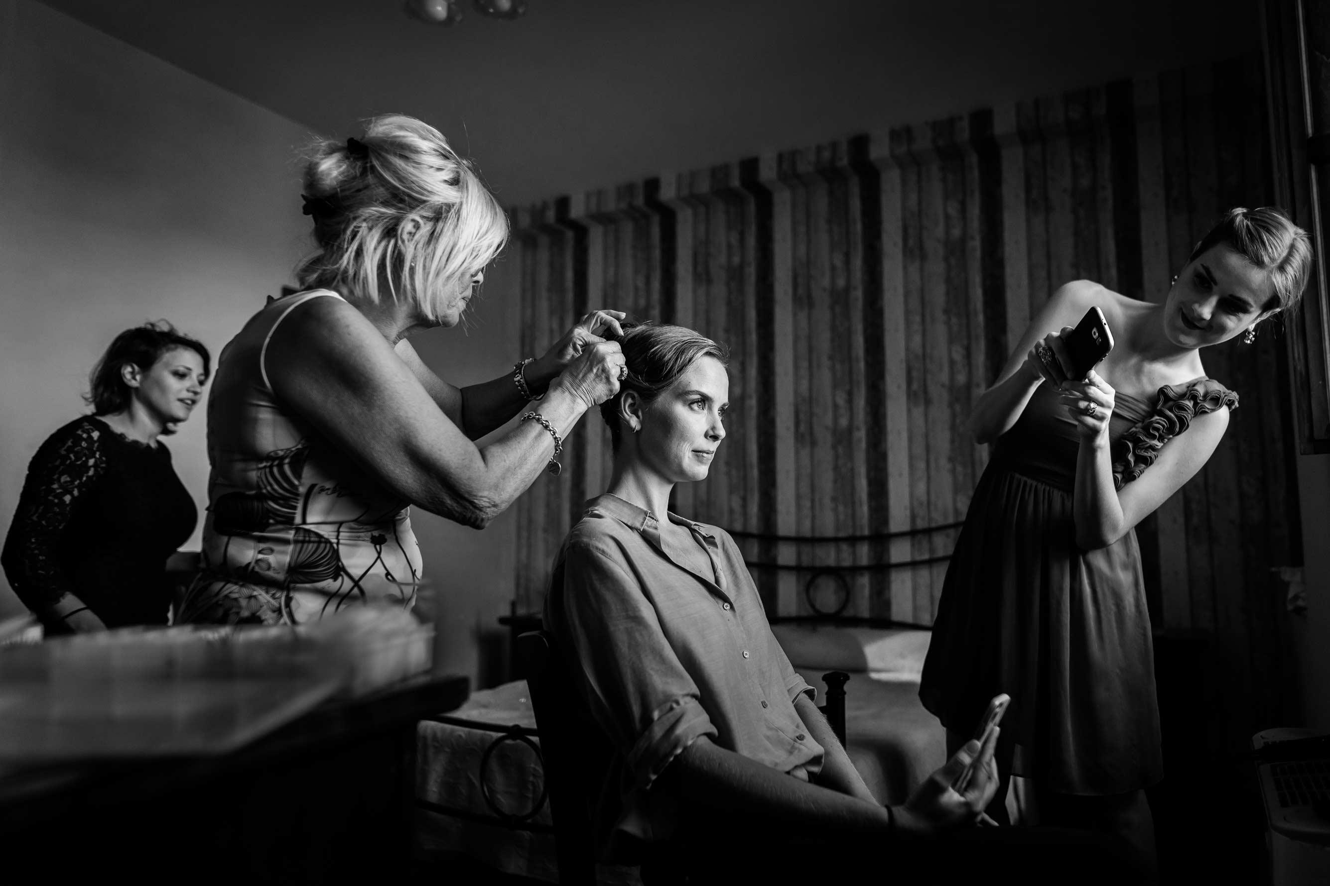 Fotografi-Di-Matrimonio-Roma-Stile-Reportage-Preparativi-Sposa-