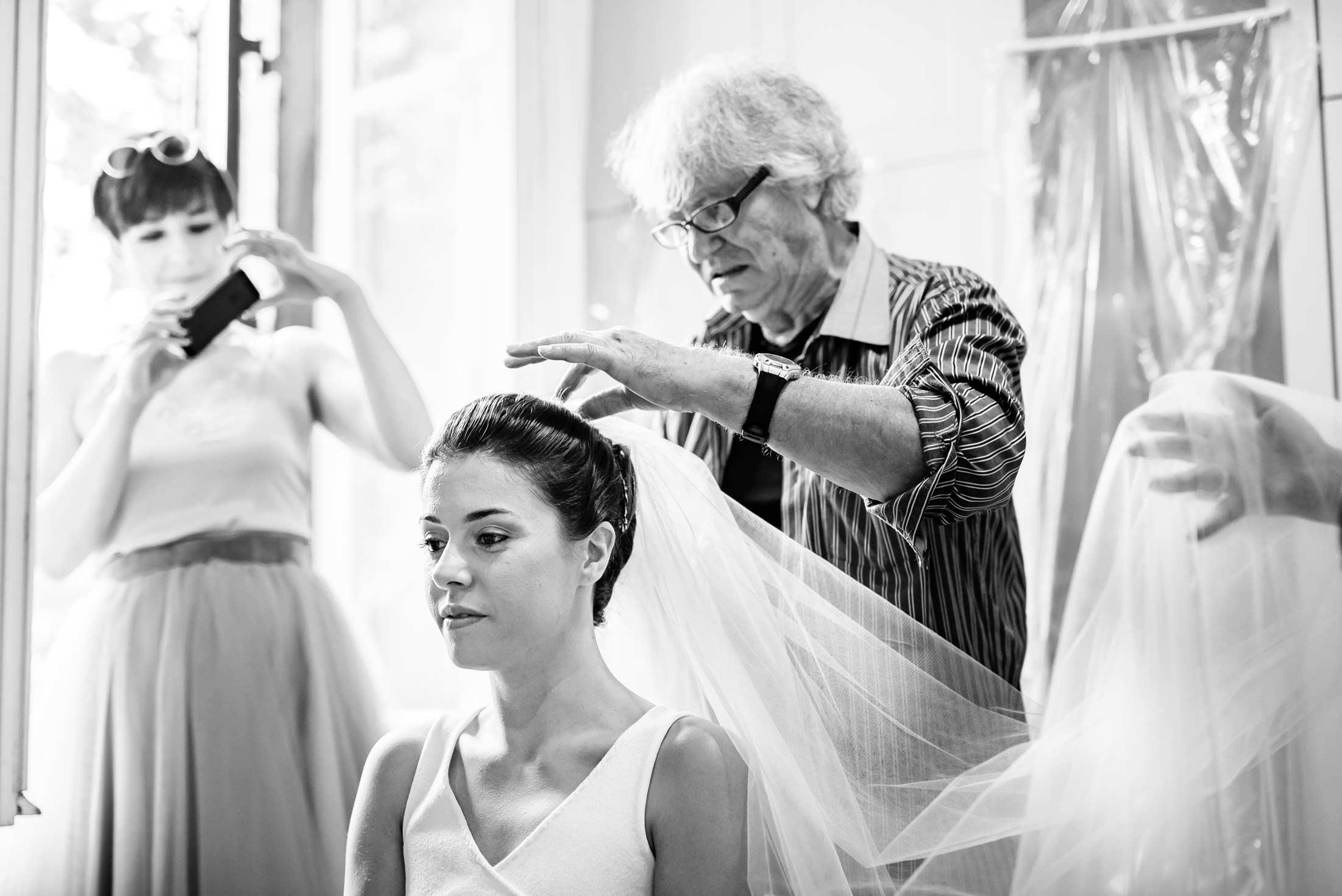 Fotografo-Matrimoni-Roma-Stile-Reportage-Preparativi-Sposa 2-Bride